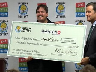 Man Claims $337M Powerball Prize