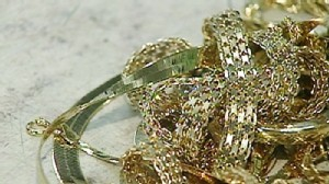 Video: Gold boom has people flocking to sell their gold.