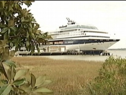 VIDEO: 400-plus Celebrity Cruise passengers came down with gastrointestinal illnesses.