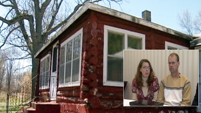 Video: Couples fights bank of mortgage mix-up.