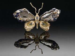 Photos: Butterfly Brooch Has 2,328 Gems