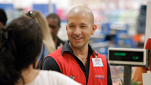 PHOTO: Costco employee
