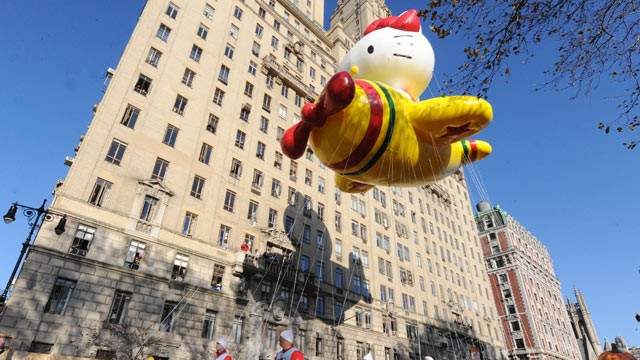 PHOTO: The Hello Kitty Balloon makes it's way down New York's Central Park West in the 86th annual Macy's Thanksgiving Day Parade, Nov 22, 2012.
