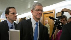 PHOTO: Apple CEO Tim Cook arrives on Capitol Hill, in Washington, May 21, 2013, to testify before the Senate Homeland Security and Governmental Affairs Permanent subcommittee on Investigations.