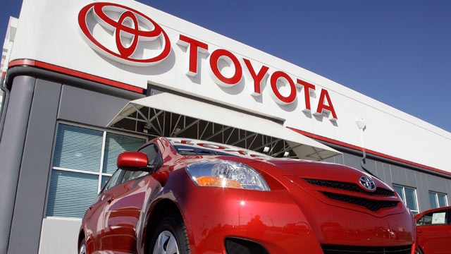 Toyota Agrees To 1 Billion Settlement In Acceleration