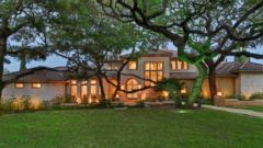 "PHOTO: This 3.5 acre home with an outdoor kitchen is listed for $16,900,000 in <a href=""http://www.zillow.com/homedetails/101-Pascal-Ln-Austin-TX-78746/64451839_zpid/"" target=""external"">Austin, Texas.</a>"