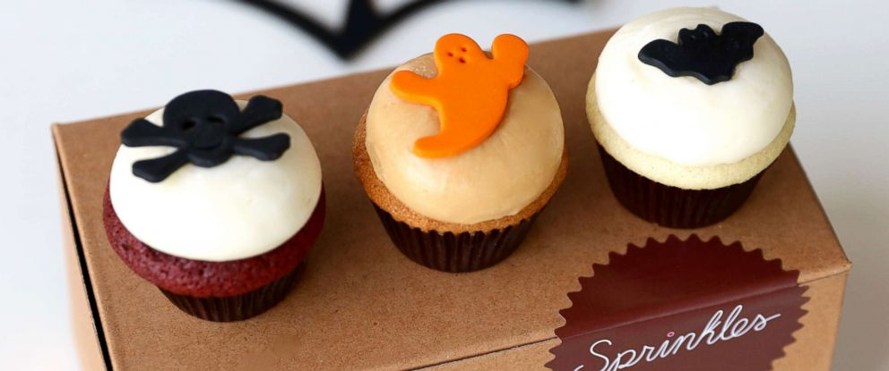 PHOTO: 3-pack mini sampler of the Halloween themed cupcakes.