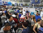 PHOTO: Shoppers move through a Best Buy store on Black Friday, Naples, Florida, Nov. 25, 2011.