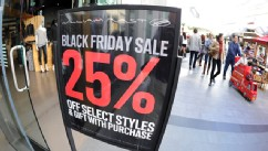 PHOTO: People shop at the Century City shopping mall in Los Angeles, California, for the day after Thanksgiving
