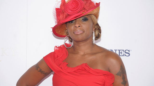 PHOTO: Singer Mary J. Blige attends the 138th Kentucky Derby at Churchill Downs on May 5, 2012 in Louisville, Kentucky.