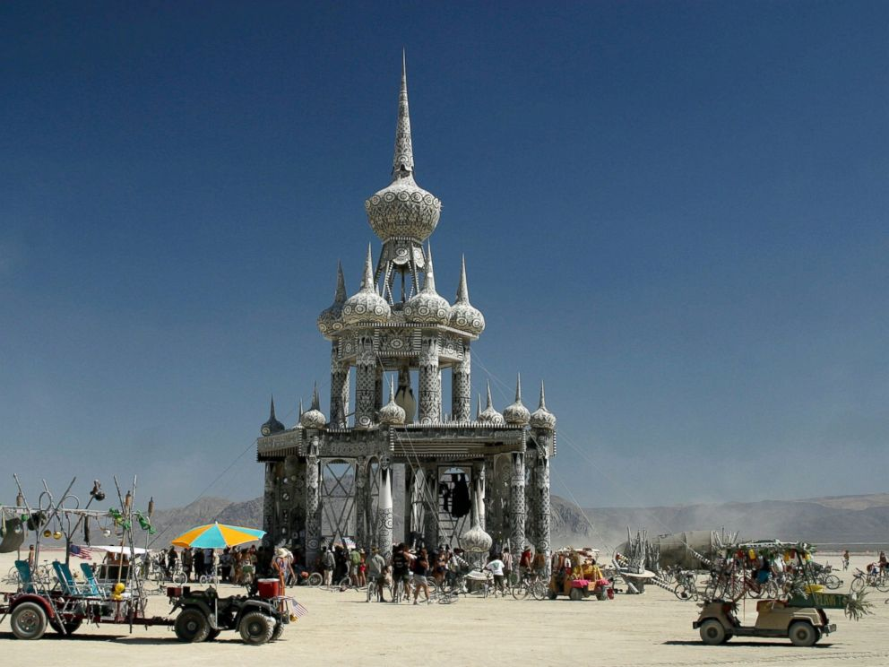 PHOTO:Atmosphere at the 2003 Burning Man festival. Blackrock City, Nev.