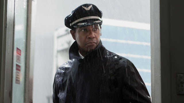 PHOTO: Denzel Washington plays Whip Whitaker in Flight.