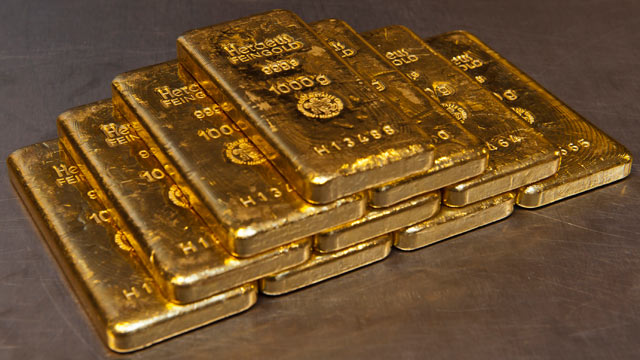 PHOTO: Gold bars weighing one kilogram each sit on a table in the vault of gold vendor ProAurum in Munich, Germany, Aug. 23, 2011.