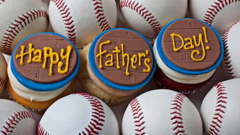 gty happy fathers day cupcakes thg 130614 wblog Fathers Day 2013 Freebies