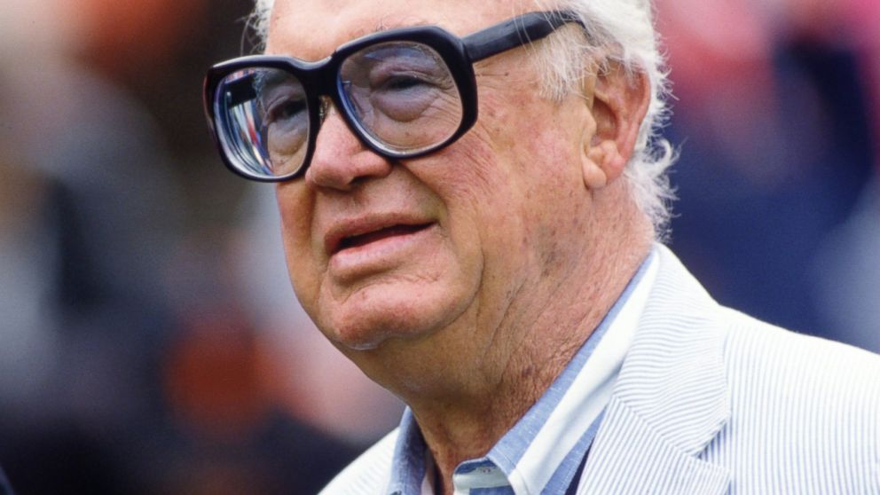 PHOTO: Chicago Cubs Harry Caray before a Cubs game against the San Francisco Giants at Candlestick Park in San Francisco, Calif. on Oct. 13, 1