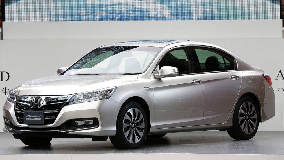 PHOTO: A Honda Motor Co. Accord hybrid sedan sits on display at its unveiling in Tokyo, Japan, in this June 20, 2013 file photo.