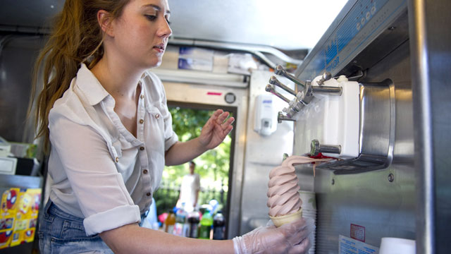 PHOTO: Maeve OBrien serves ice cream from the Original Boston Frosty truck in Boston, Mass.