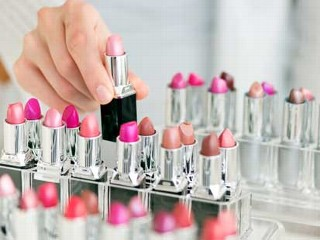 Economists Question 'Lipstick Effect'