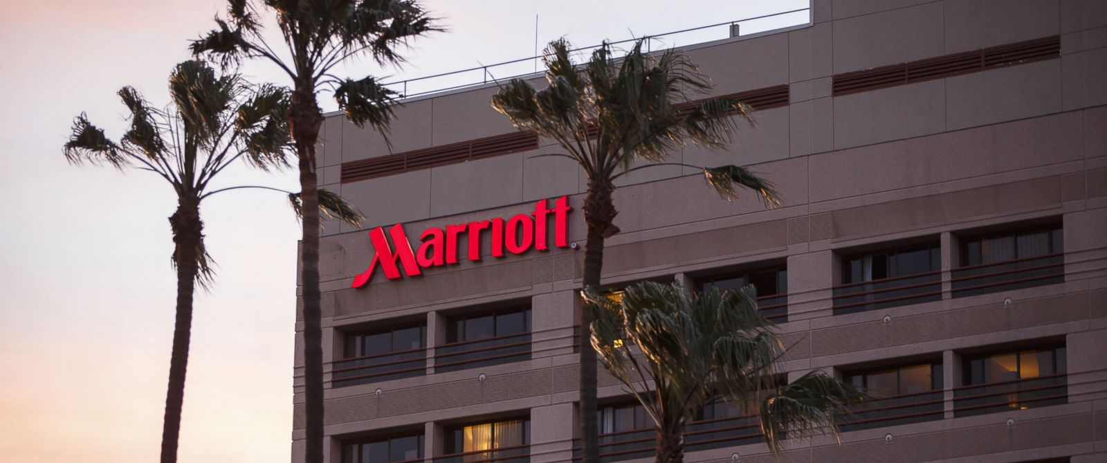 an analysis of marriott international A programmer analyst at marriott international earns an average of $98,892, ranging from $92,941 at the 25th percentile to $104,440 at the 75th percentile, with top earners (the top 10%) earning more than $110,068 compensation is derived from 21 profiles, including base salary, equity and bonus.