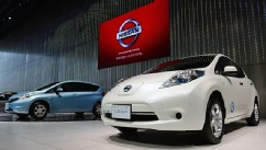 PHOTO: Nissan Leaf and Note