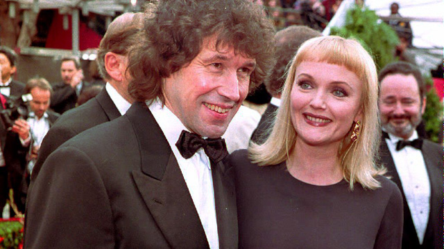 "PHOTO: Irish actor Stephen Rea (L), nominee for Best Actor for his performance in  ""The Crying Game,"" arrives 29 March at the 65th Annual Academy Awards ceremony with British co-star Miranda Richardson."