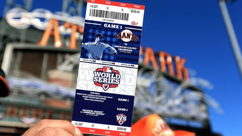 gty san fransisco giants baseball tickets thg 130614 wblog 5 Fashionable Gift Ideas for Fathers Day 2013
