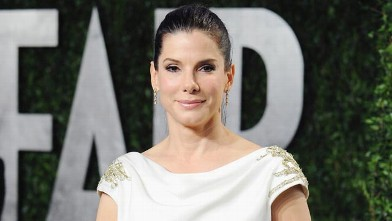 PHOTO: Sandra Bullock arrives at the 2012 Vanity Fair Oscar Party at Sunset Tower, Feb. 26, 2012, in West Hollywood, Calif.