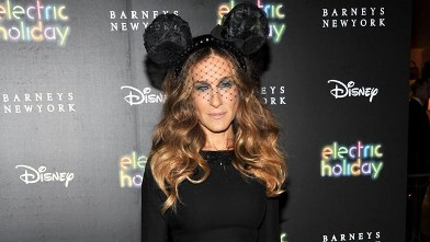 PHOTO: Sarah Jessica Parker attends Barneys New York And Disney Electric Holiday Window Unveiling Hosted By Sarah Jessica Parker, Bob Iger, And Mark Lee on Nov. 14, 2012, in New York City.