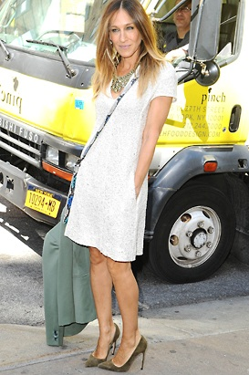 watch sarah jessica parker to launch shoe line cowell egged upon