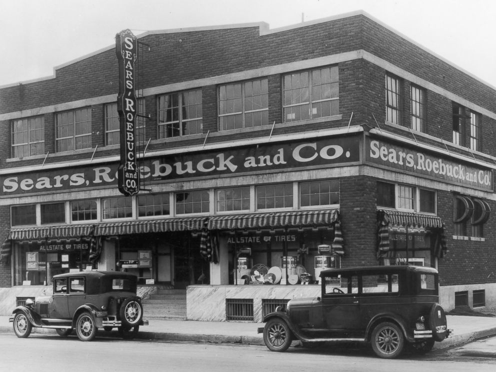 PHOTO: The storefront of a Sears, Roebuck and Co. store is seen in El Paso, Texas, circa 1940.