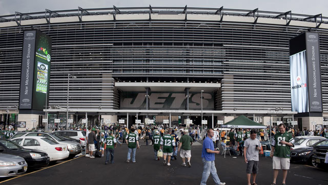 PHOTO: New York Jets fans enjoy a tailgate party outside the new Meadowlands stadium on September 13, 2010 in East Rutherford, New Jersey.