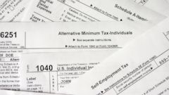 PHOTO: Free File is available for those in the low- to middle-income tax bracket.