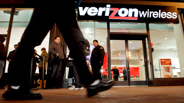 PHOTO: A Verizon Wireless store in San Francisco, Calif. is shown in this Feb. 10, 2011 file photo.