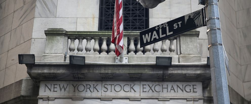 PHOTO: The New York Stock Exchange stands on Wall Street on Aug. 27, 2013 in New York.