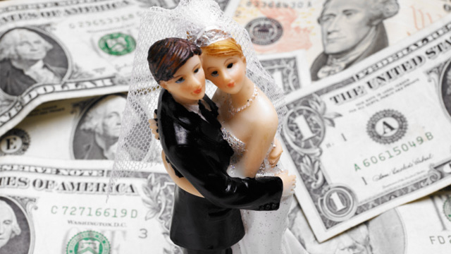 "PHOTO: Before saying ""I do,"" here are some financial topics the two of you should"