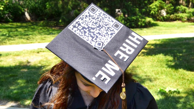 Student turns graduation cap into hire me billboard with qr code