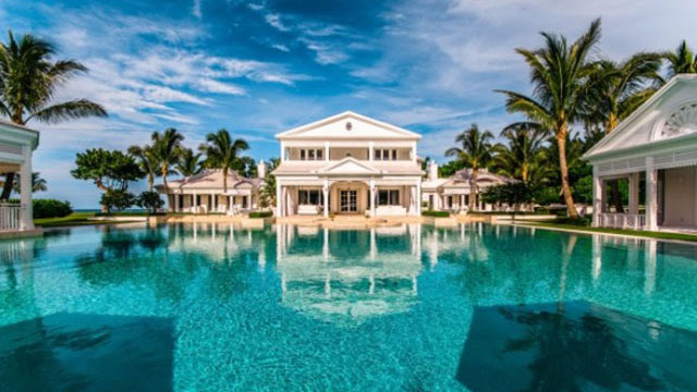 PHOTO: Singer Celine Dion has listed her five-bedroom waterfront estate in Jupiter Island, Fl. for $72.5 million.