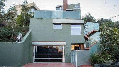 Chris Brown Sells Home
