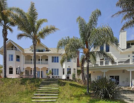 photo: house/residence of sexy charming  50 million earning Malibu, California-resident