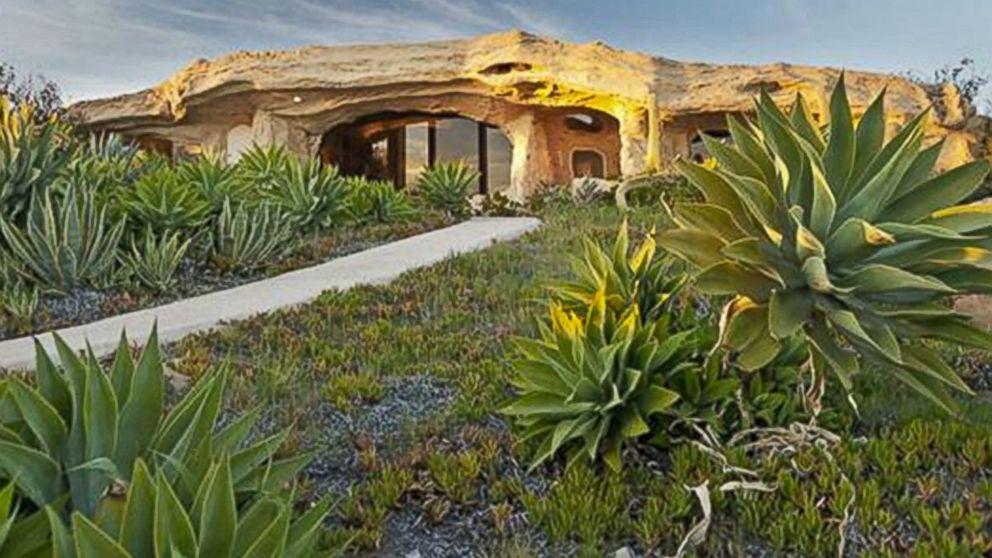 Dick Clark 39 S Malibu 39 Flintstones 39 Home Has New Owner