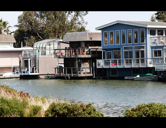'Floating Homes' Future Up in the Air