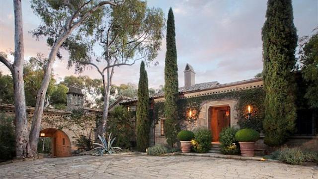 Drew Barrymore Lists Home