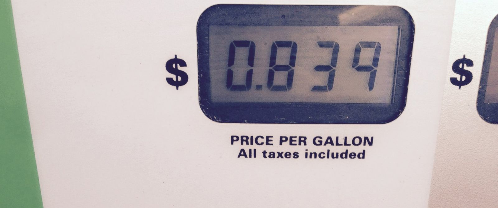 PHOTO: A Fry's fuel points promotion allows customers to fill up with gas at 84 cents a gallon at a Circle K gas station in Phoenix, Jan. 18, 2014. Fry's Food Stores, Shell and Circle K gas stations participate in the fuel points program in Arizona.