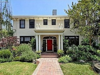 Photos: 'Grey's Anatomy' Star Sells Home