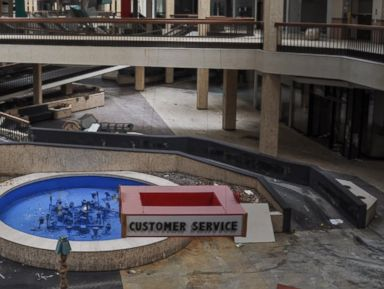 Photos: Haunting Images of Abandoned Malls