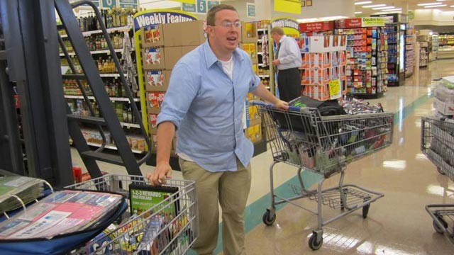"PHOTO Nathan Engels reveals his money-saving tactics on TLC's ""Extreme Couponing."""