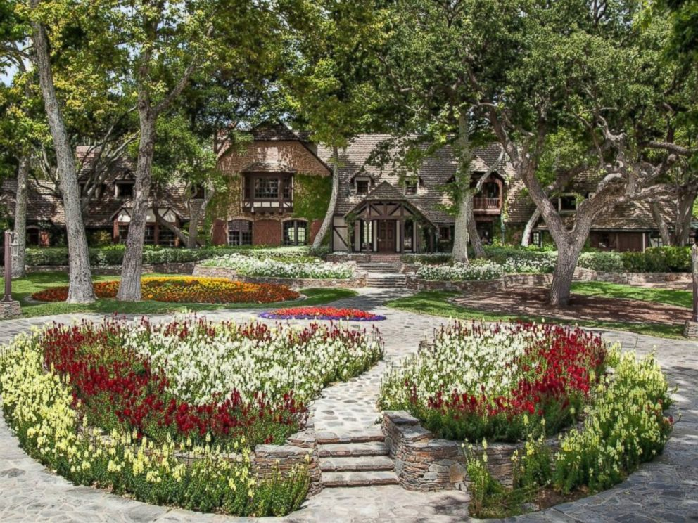 PHOTO: A real estate photo of Sycamore Valley Ranch, 40 miles northwest of Santa Barbara in Los Olivos, formerly Michael Jacksons Neverland Ranch.