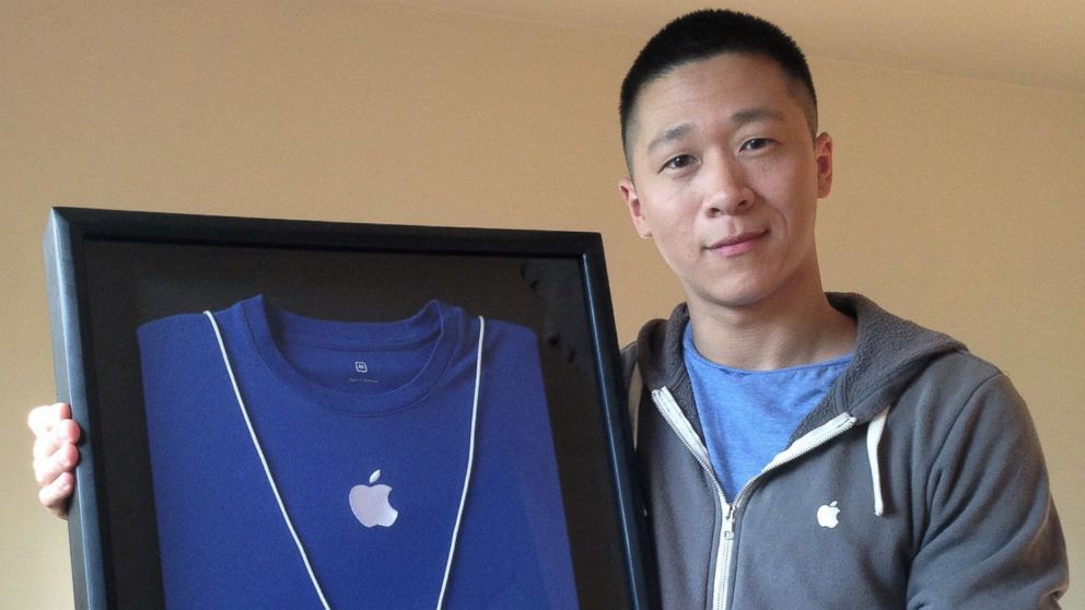 PHOTO: Apple retail employee Sam Sungs stuff reaches $6K on eBay