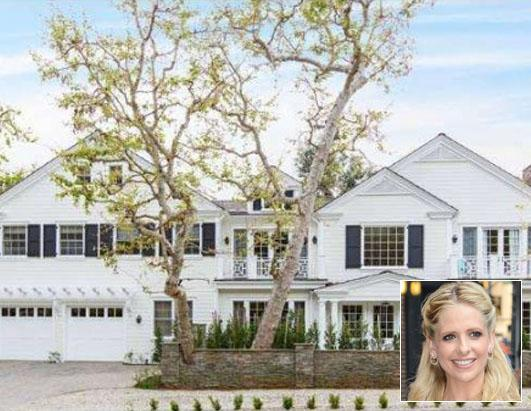 Which TV Star Just Bought a Los Angeles Mansion?