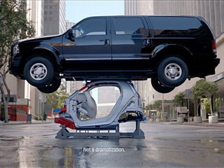 Smart Car Ad Wows and Underwhelms